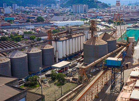 Terminal portuário em São Paulo